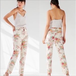 BDG | Floral High Rise Mom Jean Size 27 NWT